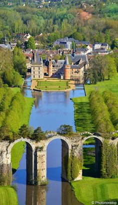 Château de Maintenon and the aqueduct - Eure-et-Loir, France.