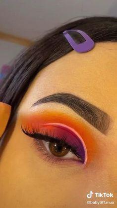 Purple Eye Makeup, Makeup Eye Looks, Colorful Eye Makeup, Eye Makeup Art, Smokey Eye Makeup, Skin Makeup, Eye Makeup Designs, Halloween Eye Makeup, Creative Eye Makeup