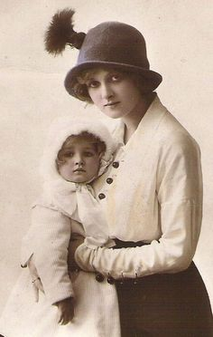 edwardian postcard child model | MOTHER EMBRACING CHILD Dame Gladys Cooper with her daughter rppc real ...