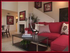Red and white deco living room