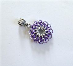 Two Shades of Purple Chainmail Daisy Pendant - Chainmaille Pendant, Chainmail Pendant, Multicolour Pendant, Flower Pendant, Flower Jewelry
