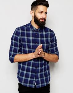 """Check shirt by Wrangler Woven cotton Secure point collar Button placket Curved hem Slim fit - cut closely to the body Machine wash 100% Cotton Our model wears a size Medium and is 181cm/5'11"""" tall"""