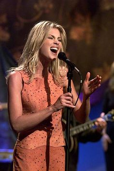 Country Music Videos, Country Music Stars, Country Singers, Tim And Faith, Tim Mcgraw Faith Hill, Scotty Mccreery, Southern Girls, Billboard Music Awards, Keith Urban