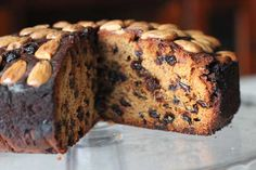 The Queen's Teatime Favourite: Dundee Cake Recipe Scottish Dishes, Scottish Recipes, Dundee Cake Recipe, Mini Christmas Cakes, Classic Cake, Pudding Desserts, Baking With Kids, Celebration Cakes, Recipe Of The Day