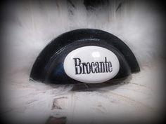 Poignée coquille en fer peint noir décorée d'une plaque en céramique 9.7 cm 4.5cm 6.5cm entraxe Vero Mineral