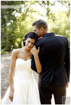 17. One Arm - 44 #Amazing #Wedding Photography #Ideas to Copy ... → Wedding #Photography