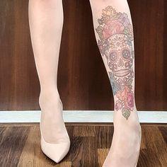 A #closeup of our new #sugarskulltattoo design! SHOP ☛ www.stopandstare.co #tattootights #tattoopantyhose #tattoonylons #tattoolegs #legtattoo #tattoosleeve #skulltattoo #flowertattoo #unisextattoo #printedtights #printedpantyhose #printednylons #nudeheels #irishbrand #irishfashion #irishdesign #madeinireland #handmade Tattoo Tights, Leg Tattoos, Sleeve Tattoos, Wolford Tights, Irish Fashion, Irish Design, Sugar Skull Tattoos, Stop Staring, Nude Heels