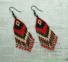 Crafts, beading, greeting cards, digital graphics, tutorials and more. Seed Bead Jewelry, Bead Jewellery, Seed Bead Earrings, Diy Earrings, Seed Bead Patterns, Beaded Jewelry Patterns, Beading Patterns, Beaded Earrings Native, Fringe Earrings