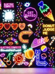 Neon wall at Sugar Republic dessert museum in Melbourne Cafe Interior Design, Cafe Design, Store Design, Photo Wall Collage, Picture Wall, Party Fotos, Neon Licht, Neon Aesthetic, Neon Lighting