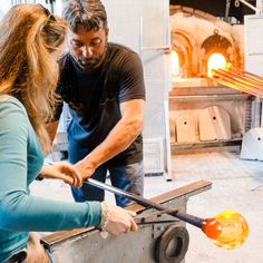 All artworks sold by MuranoGlassItaly are original Murano glass masterpieces created in the island of Murano, Italy. 1. MuranoGlassItaly Murano Glass Guarantee of Authenticity 2. Artists Certificate of Guarantee 3. Artworks are Shipped Directly from Murano