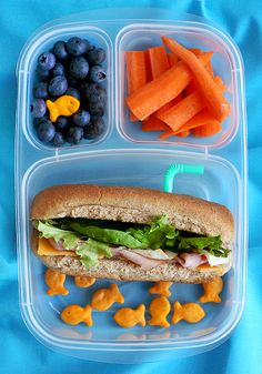 A fun bento box lunch idea young kids are sure to enjoy! For more creative ideas for kids lunches LIKE US on Facebook @ https://www.facebook.com/SchoolLunchIdeas