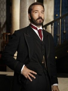 """Nice dress of the late 19th / early 20th century. In this case it is Jeremy Piven in """"Mr. Selfridge"""""""