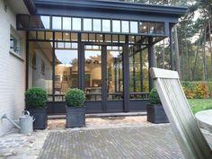 Veranda - steel look - ADR Construct Porch Veranda, Pergola Patio, Backyard, Pergola Ideas, Cheap Pergola, Extension Veranda, Patio Interior, Pergola Attached To House, Outdoors