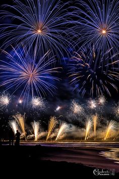 SELECTION OF THE DAY by #Expo #FineArt #Photography Fireworks Festival Forte dei Marmi - 2015 Photo © Giovanni Modesti