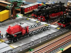Close up of the traverser in my train yard. The main line in front is 9V, but the yard is PF, including the traverser itself. On the traverser is my Köf II, behind are my BR70 and BR65 and Ben's famous BR23.