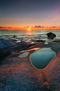 Sunrise at Utakleiv Beach, Vestvågøy Island, Lofoten, Norway  (by Gian Paolo Chiesi)