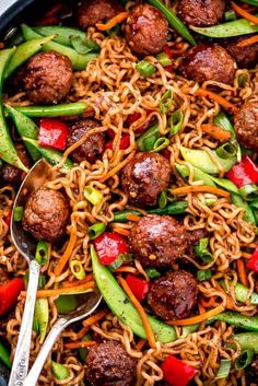 Meatball Veggie Ramen – Garnish & Glaze Get dinner on the table for a meal with your family meal in less than 30 minutes with this flavorful and nutritious Meatball Veggie Ramen. Ramen Recipes, Meat Recipes, Indian Food Recipes, Healthy Dinner Recipes, Chinese Recipes, Frozen Meatball Recipes, Asian Stir Fry, Dinner On A Budget, Easy Weeknight Meals