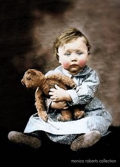 ❥ wee laddie and his well loved teddy ... ca. 1905~ awwwwwww!!!!