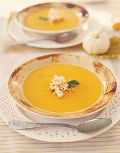 I've been craving butternut squash soup with the weather change... this looks good, but I would add some Tony Chacere's to it!