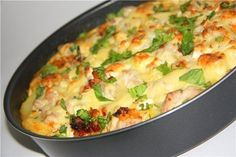 Potato casserole with chicken and cheese (in French). Veggie Recipes, New Recipes, Salad Recipes, Chicken Recipes, Cooking Recipes, Healthy Recipes, French Recipes, Top Salad Recipe, Good Food