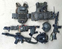 """I love grey gear! I want so bad to build a whole kit of nothing but grey gear! hoplite-operator: """" hoplite-operator: """" wombatactual: """" """" I knoowww, I'd rock this """" Disclaimer: would still rather have an ar """" Tactical Survival, Tactical Gear, Armas Airsoft, Bug Out Gear, Battle Belt, Combat Gear, Combat Knives, Airsoft Helmet, Plate Carrier"""