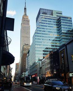La scelta è una fondamentale espressione della liberta❤ #newyork #newyork_instagram #nyc #nyc_instagram #manhattan #timesquare #travelworld #travelblog #travelgram #travel #photo #photografia #photography #pic #picture #misstravelworld #localguides #usa #empirestatebuilding