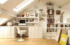 adore this whit on white office, now if they'd only move that huge beam i KNOW i would kill myself on....