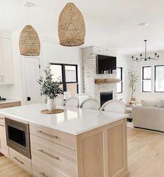 Living Room Kitchen, Home Decor Kitchen, Home Living Room, Kitchen Interior, New Kitchen, Home Kitchens, Kitchen Island, Coastal Interior, Kitchen Cabinets