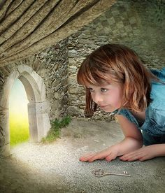 Story Starter: Jenny bent down to look through the tiny door at the back of the room. ShHe couldn't believe what she saw! Photo Writing Prompts, Writing Pictures, Writing Prompts For Kids, Narrative Writing, Kids Writing, Writing Images, Story Prompts, Writing Lessons, Creative Writing Ideas