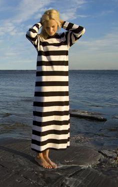 Sleep well, Ratia nightgown.