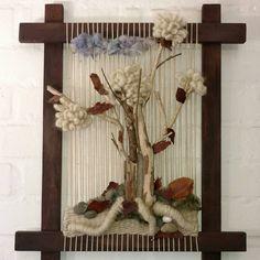 #Telar #artesania #arte #arboldelavida #handmade #hechoamano #hechoenchile #quillota #lana #telar #telararboldelavida Macrame Wall Hanging Diy, Weaving Wall Hanging, Weaving Art, Weaving Patterns, Loom Weaving, Tapestry Weaving, Art Deco Tattoo, Peg Loom, Felted Wool Crafts