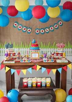 How about betting on Galinha Pintadinha birthday decoration? Decoration Bedroom, Party Decoration, Birthday Decorations, Baby Birthday, Birthday Parties, Bar A Bonbon, Fiesta Party, Circus Party, Childrens Party