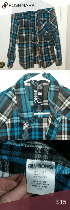 Men's Billabong Blue Plaid Button up Gently used and in great condition. Comes from a smoke free home. 20% off on bundles ? Billabong Shirts Casual Button Down Shirts