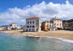 La riconoscete? #CasaZarotti questa è la spiaggia di Benvenuti al Sud a Santa Maria di #Castellabate! Tanto incantevole da non rendere in foto è uno spettacolo! #Salerno