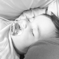 #babyCaterina y su siesta #babygirl #igbabies #baby #babylove #babys #igersmallorca #mallorcatestim #incaciutat #mallorca #mamaprolactancia #siesta by nnb_3