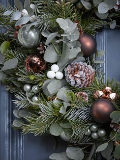 Fabulous Fresh Christmas Wreaths - Pre-Order Now for December Delivery Christmas Door Wreaths, Christmas Flowers, Christmas Tree Themes, Christmas Makes, Holiday Wreaths, Xmas Decorations, Christmas Home, Christmas Holidays, Christmas Crafts