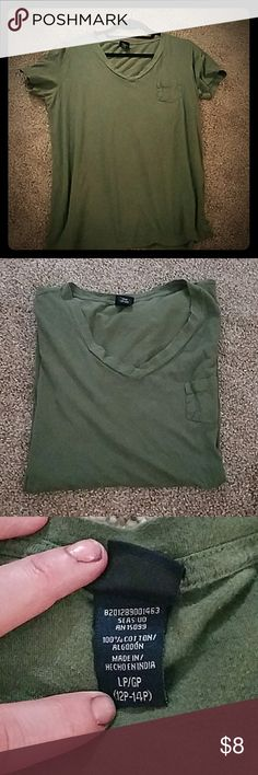 Women's Army Green Tee V-neck, 100% Cotton, small pocket on front, great condition Canyon River Blues Tops Tees - Short Sleeve