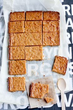 Burnt Butter Caramel Slice from Cook Republic - Golden Syrup AND condensed milk - be still my heart! Delicious Desserts, Dessert Recipes, Yummy Food, Dessert Ideas, Tapas, Golden Syrup, C'est Bon, Dessert Bars, So Little Time