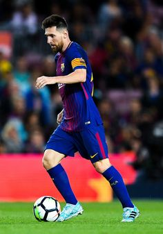 Lionel Messi Photos - Lionel Messi of FC Barcelona runs with the ball during the La Liga match between Barcelona and SD Eibar at Camp Nou on September 2017 in Barcelona, Spain. - Barcelona v Eibar - La Liga Manchester United, Real Madrid, Lional Messi, Messi Photos, September 19, Camp Nou, Fc Barcelona, Universe, Soccer