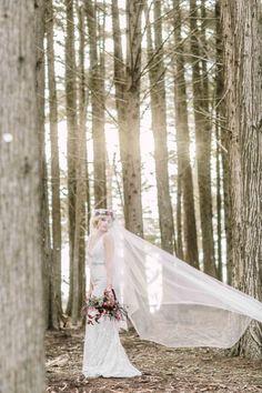 Sweeping veil: http://www.stylemepretty.com/little-black-book-blog/2015/01/09/enchanted-forest-bridal-inspiration/ | Photography: Retrospect Images - http://retrospectimages.com/