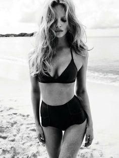 Marloes Horst returns for another season as the face of lingerie and swimwear brand, Princesse Tam Tam. Having fun in the sand, Marloes sizzles in colorful… Bikinis Retro, Retro Swimwear, The Bikini, Bikini Tops, Bikini Bottoms, Swim Bottoms, Bikini Beach, Black High Waisted Bikini, Black Bikini