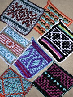 Ravelry: Native American Potholders crochet pattern by Carol Hegar These 7 creations inspired by Native American and Southwest themes will make a colorful addition to your kitchen decor. Great gift idea too! Crochet Afghans, Crochet Potholder Patterns, Granny Square Crochet Pattern, Crochet Dishcloths, Tapestry Crochet, Crochet Squares, Crochet Granny, Easy Crochet, Crochet Owls