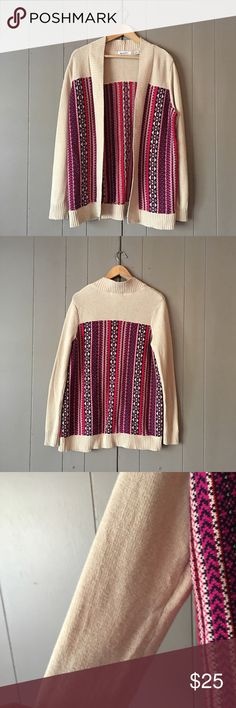 "Gorgeous Cream Tribal Print Open Front Cardigan 🍃 Beautiful, soft and trendy cardigan in excellent condition! Armpit to armpit is 20-22"". Length is 30"". Offers are welcome. ☺️ Liz Claiborne Sweaters Cardigans"