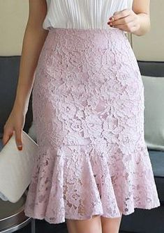 Wall - Women's style: Patterns of sustainability Lace Skirt Outfits, Lace Outfit, Blouse And Skirt, Dress Skirt, Lace Dress, Midi Skirt, Lace Maxi, Pleated Dresses, Long Lace Skirt
