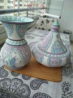 feylesof✓ pilavlık ve kandil fırına gitmeye hazırlar Vase, Beautiful Things, Tiles, Porcelain, Pottery, Ceramics, Painting, Home Decor, Ceramic Painting