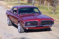 My other dream car a 1968 Cougar. Loved the tail lights on these! Mercury Cars, Car Man Cave, Ford Classic Cars, Pony Car, Vintage Cars, Funny Vintage, Vintage Photos, Us Cars, Ford Motor Company