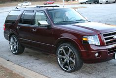 """2012 Ford Expedition Limited with 24"""" wheels"""