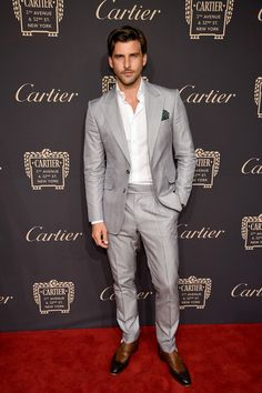 Johannes Huebl Photos - Johannes Huebl attends the Cartier Fifth Avenue Grand Reopening Event at the Cartier Mansion on September 2016 in New York City. - The Cartier Fifth Avenue Grand Reopening Event Cartier, 5th Avenue New York, Light Grey Suits, Black Suits, Christian Dior Designer, Get Glam, Slim Fit Suits, Evolution Of Fashion, 3 Piece Suits