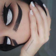 Para Fiesta Make Up Prom Makeup Silver . - Para Fiesta Make Up Prom Makeup Silver Make - Prom Eye Makeup, Dramatic Eye Makeup, Makeup For Green Eyes, Makeup Geek, Eyeshadow Makeup, Wedding Makeup, Makeup Tips, Makeup Remover, Makeup Ideas