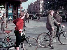 1939, Allemagne, Berlin avant la guerre , Des cyclistes sur Karlstraße | by ww2gallery